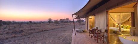 Sayari guest room bath sunset