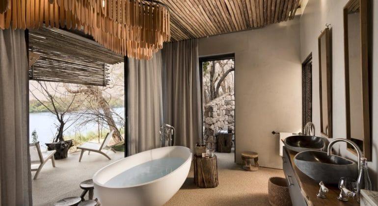 Matetsi River House Bathroom