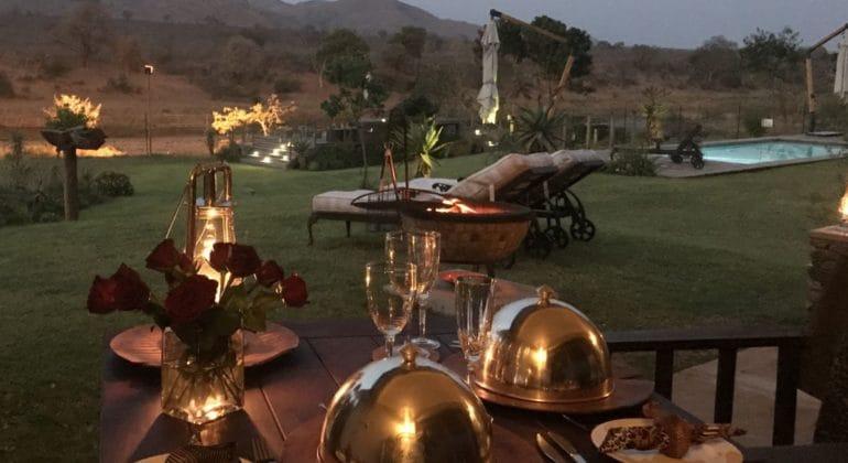 Kambaku River Lodge Dining