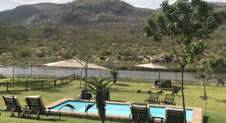 Kambaku River Lodge Pool
