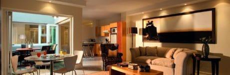 More Quarters Hotel Lounge