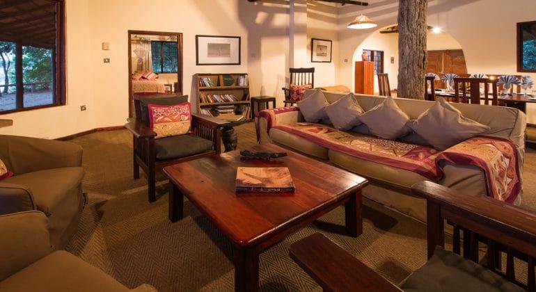 Robin's House Lounge