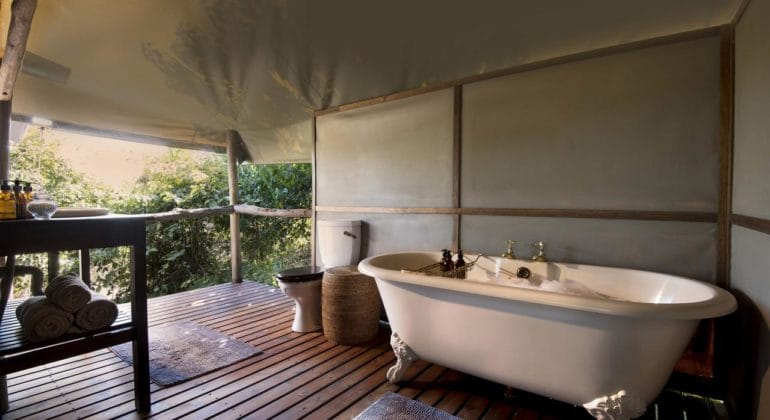 Linyanti Ebony Bathroom