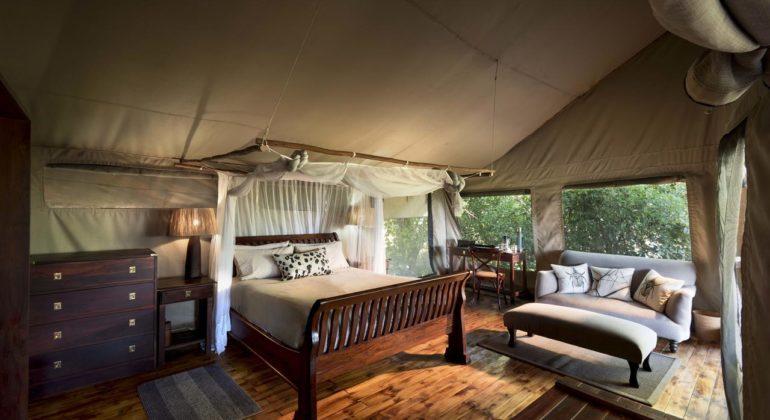 Linyanti Ebony Bedroom 1