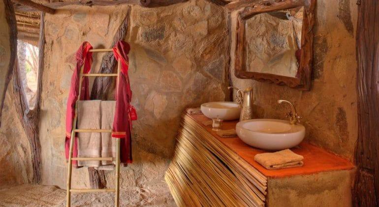 Saruni Rhino Bathroom