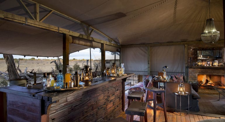 Somalisa Expeditions Bar
