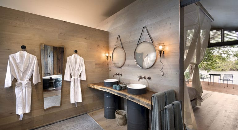 Thorntree River Lodge Bathroom