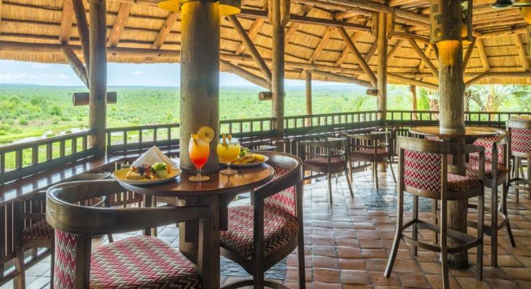 Victoria Falls Safari Lodge Bar