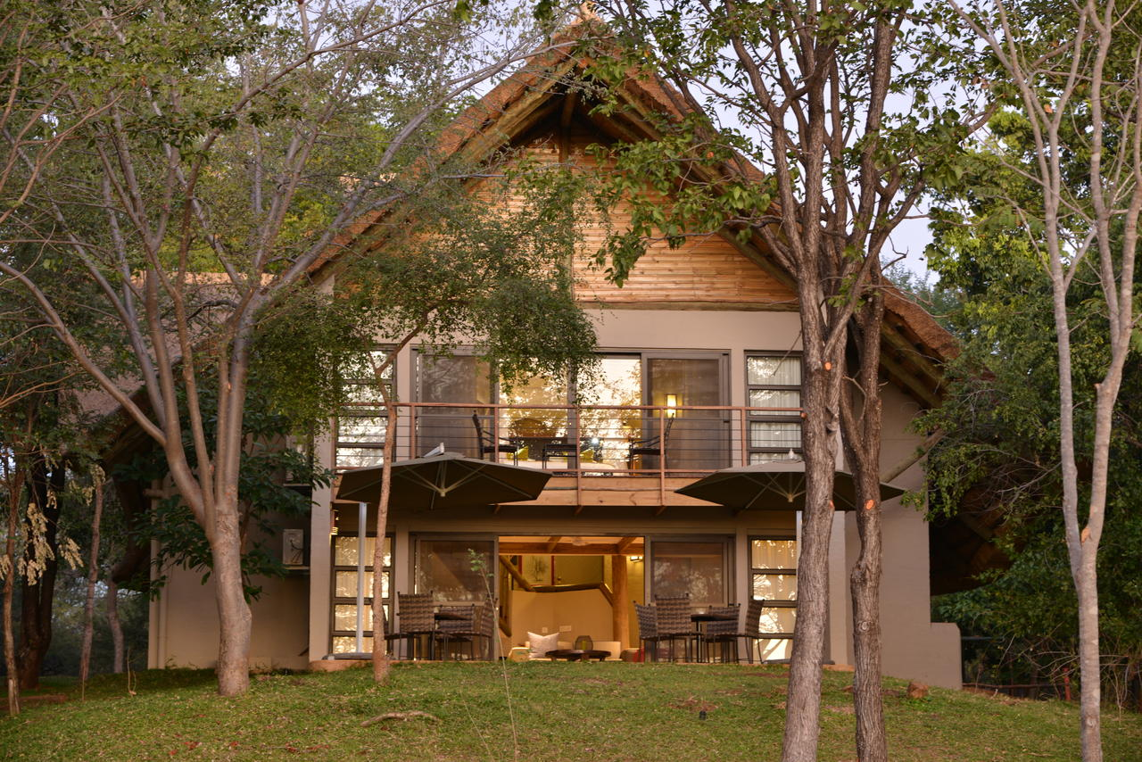 Victoria Falls Safari Suites Exterior