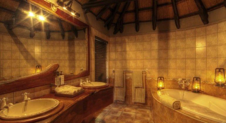 Chobe Savanna Lodge Bathroom