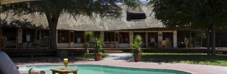 Leroo La Tau Poolside
