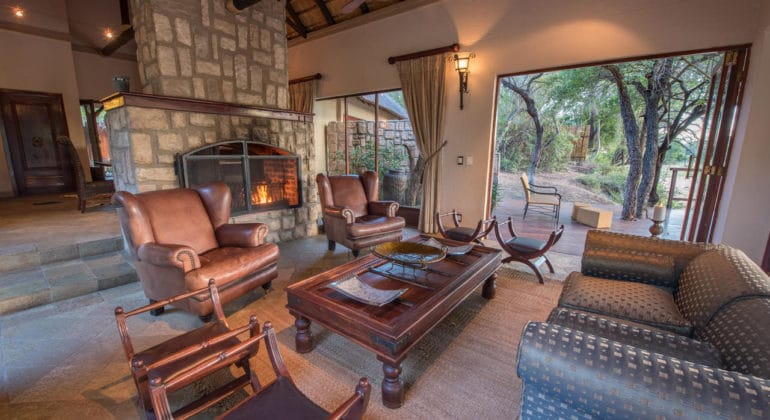 Shumbalala Game Lodge Presidential Suite Lounge