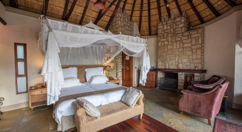Shumbalala Game Lodge Suite