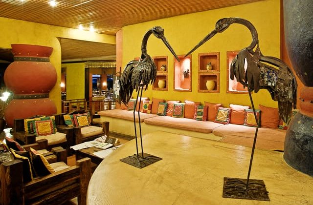 Serengeti Sopa Lodge Bar