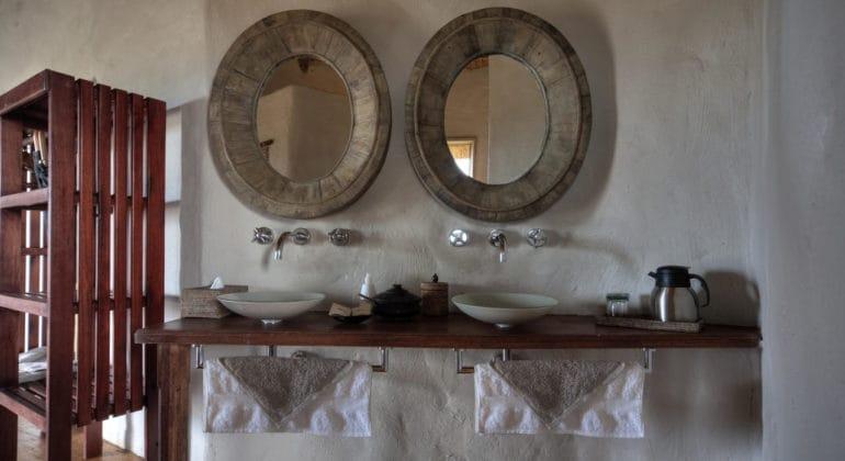 Kwando Tau Pan Camp Bathroom