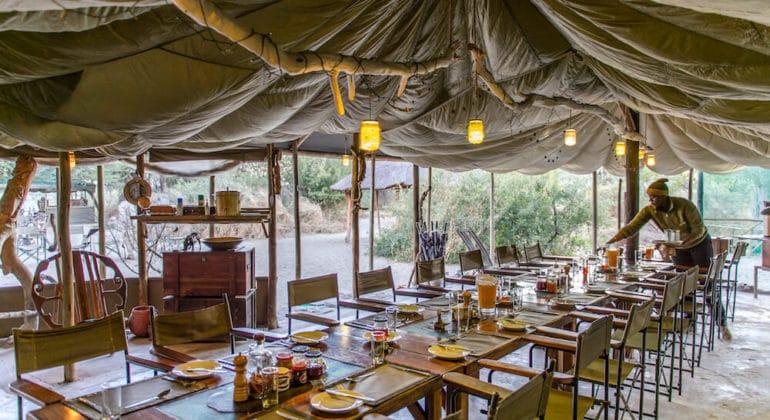 Meno A Kwena Dining 1