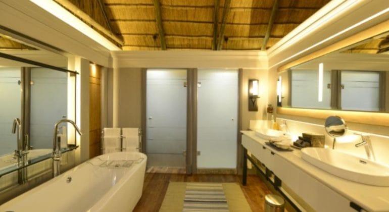 Chobe Water Villas Bathroom