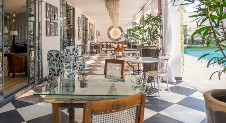 Latitude 15° Restaurant