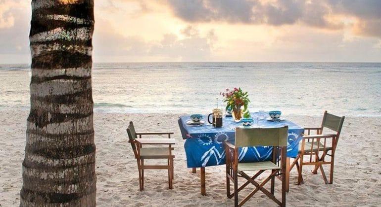Olerai Beach House Dining On The Beach