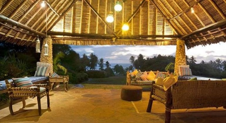 Olerai Beach House Lounge