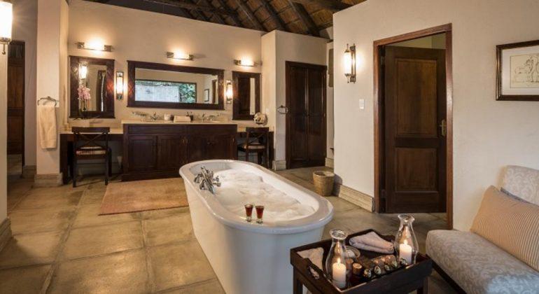 Savanna Lodge Bathroom