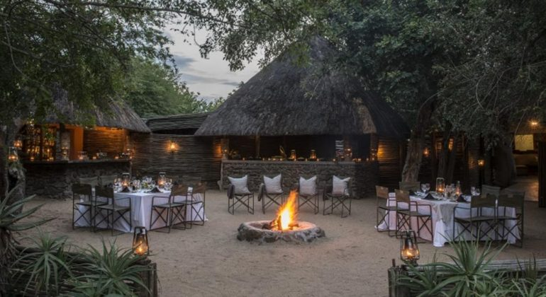 Savanna Lodge Boma
