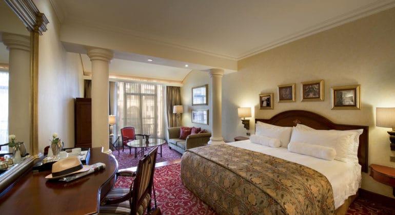 The Michelangelo Deluxe Bedroom