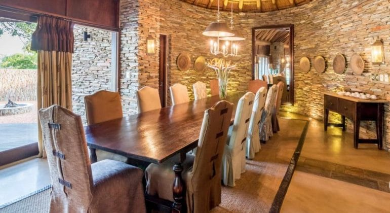 Makanyi Private Game Lodge Dining Room