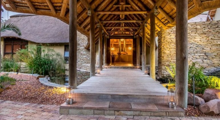 Makanyi Private Game Lodge Entrance