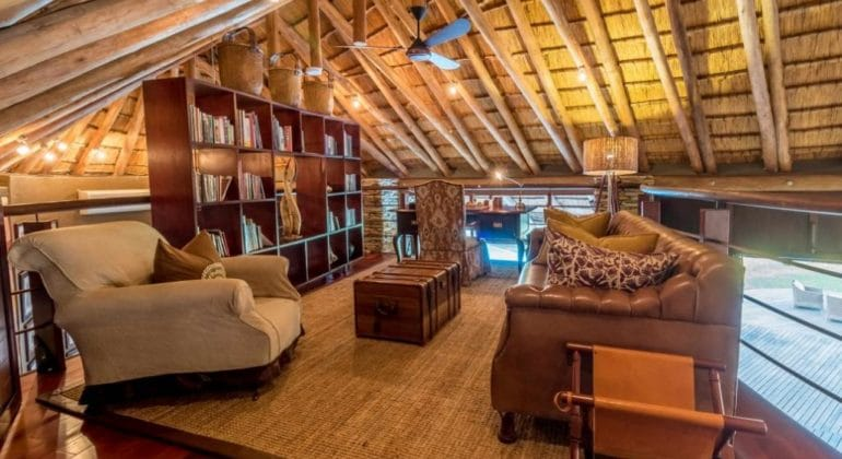 Makanyi Private Game Lodge Library