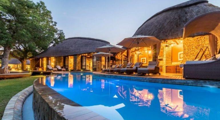 Makanyi Private Game Lodge Poolside