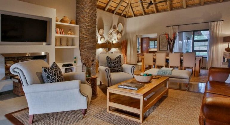 Makanyi Private Game Lodge Room Lobby