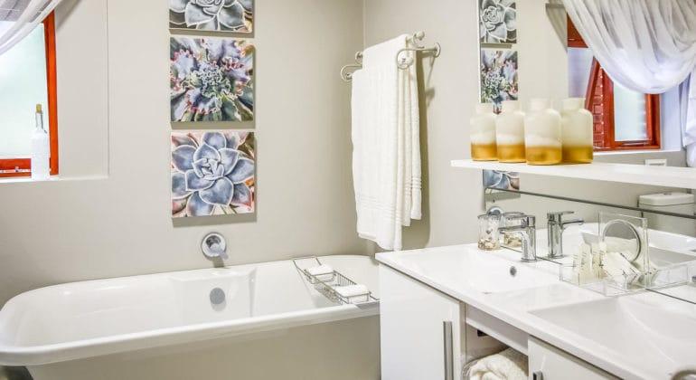 Kambaku@sea Bathroom