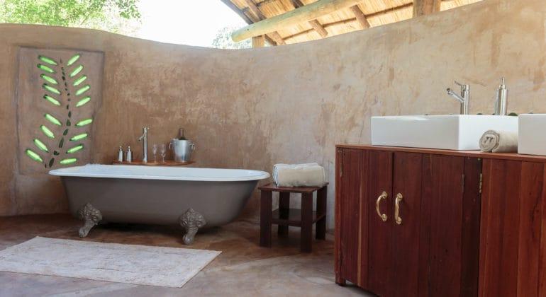 Flatdogs Tent And Chalets Honeymoon Tent Bathroom