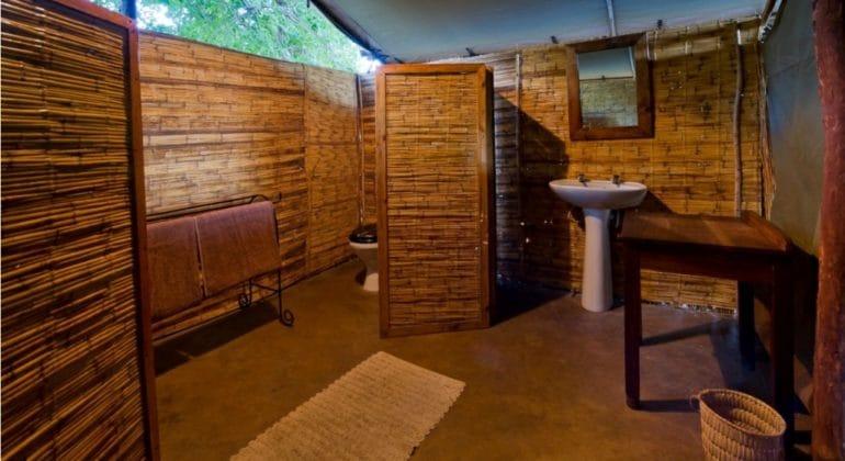 Flatdogs Tent And Chalets Standard Tent Bathroom
