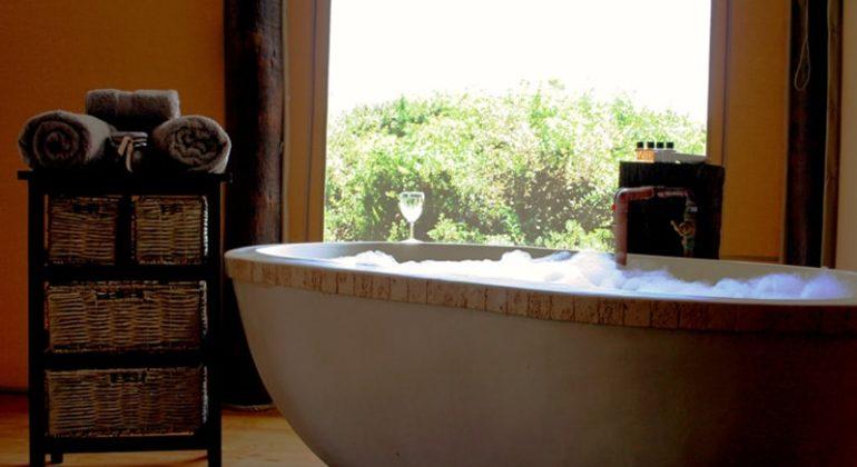 Amakhala Bush Lodge Bathroom