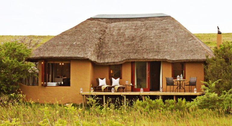 Amakhala Hlosi Game Lodge Luxury Suite