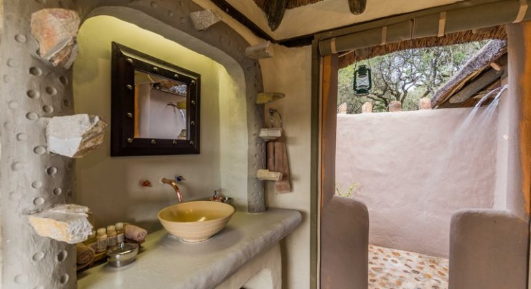 Amakhala Safari Lodge Bathroom