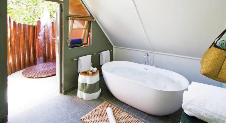 Blue Safari Seychelles Bathroom