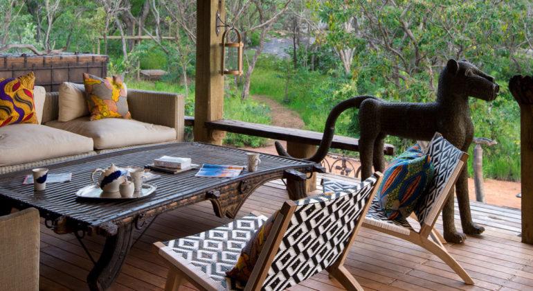 Khayelitshe House Sitting By The Deck