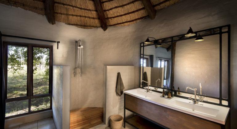 Khwai Bush Camp Bathroom