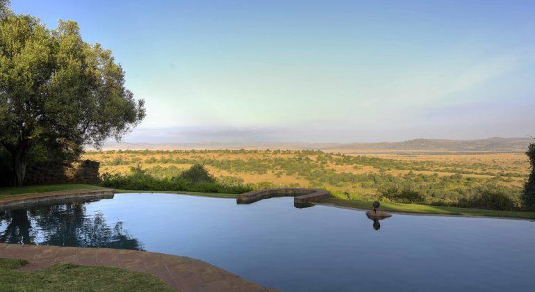 Laragai House Pool