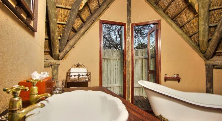 Deception Valley Lodge Bathroom