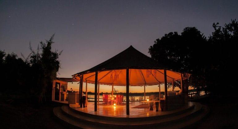 Three Rivers Camp Lounge