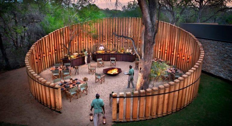 Tengile River Lodge Boma
