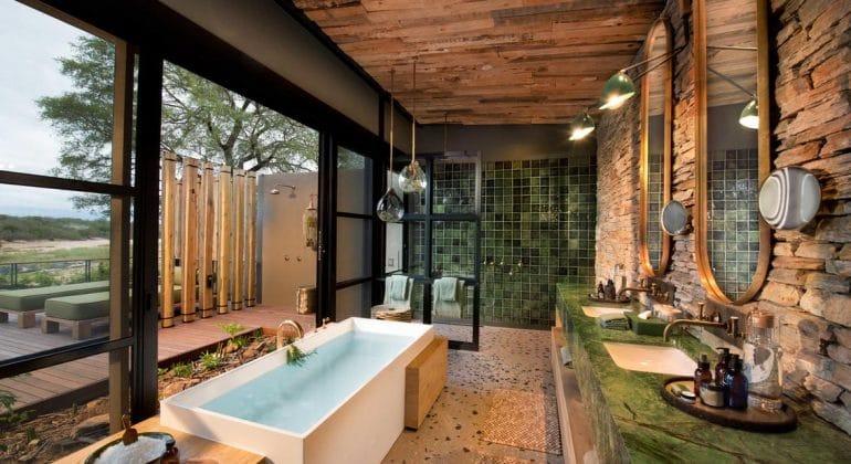 Tengile River Lodge Suite Bathroom