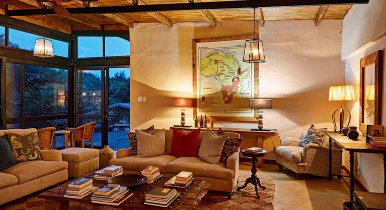 Fugitives' Drift Lodge Sitting Room