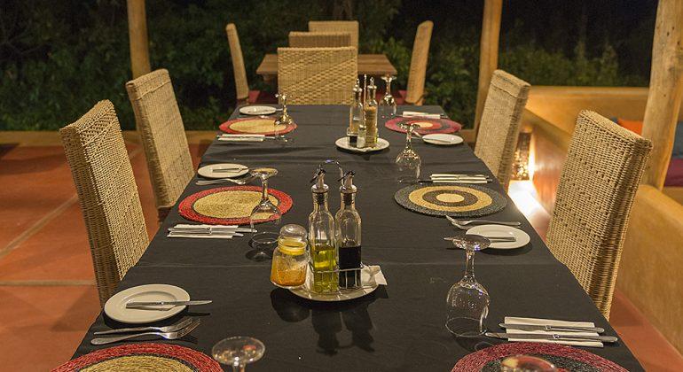 Nuarro Lodge Dinner Table