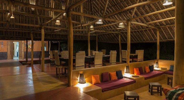 Nuarro Lodge Evening Setup