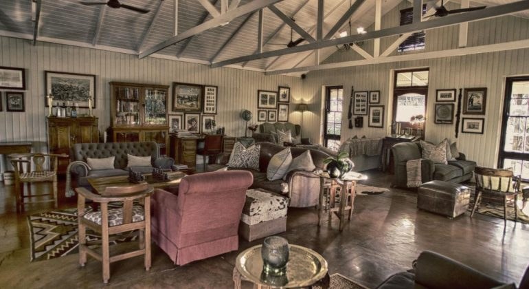 Three Tree Hill Lounge